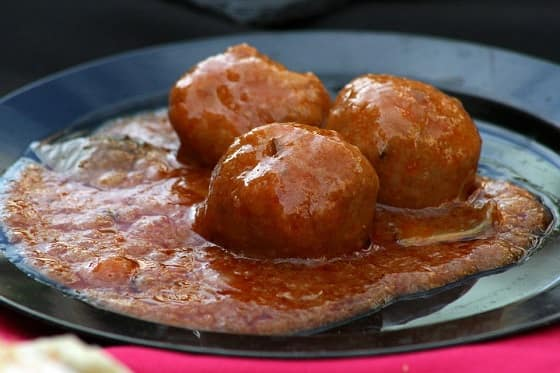 Mighty Cajun Appetizer Meatballs with Sauce